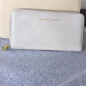 Adrienne vittadini wallet color cream